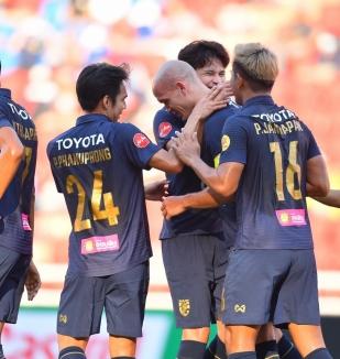 อ่าน ข่าว ทีมชาติไทย 2-2 ไทยลีก ออลสตาร์
