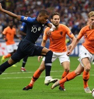 อ่าน ข่าว ฝรั่งเศส 2-1 เนเธอร์แลนด์