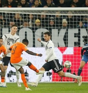 อ่าน ข่าว เยอรมัน 2-2 เนเธอร์แลนด์