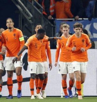 อ่าน ข่าว ตัดเกรด ! คะแนนผู้เล่น เนเธอร์แลนด์ หลังบุก...