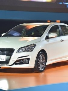 Suzuki Ciaz Facelift รถเล็กร่างหรู...เอาใจตี๋หมวยรุ่นใหม่