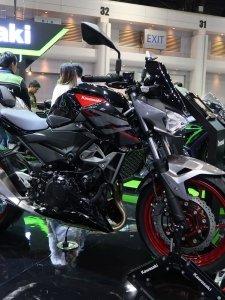 Kawasaki เปิดตัวรถจักรยานยนต์ใหม่ ซูเปอร์เน็คเก็ต Z400 ที่งาน Motor Expo 2018