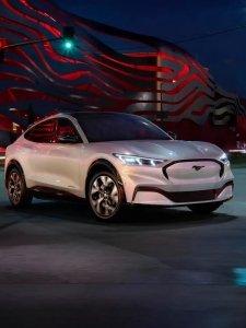 เผยโฉมแล้ว รถยนต์ไฟฟ้า Ford Mustang Mach-E ราคาเริ่มต้น 1.32 ล้านบาทที่สหรัฐฯ