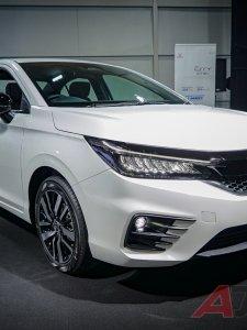 ชมภาพจริงและข้อมูลเต็ม Honda City e:HEV ซิตี้คาร์สายรักษ์โลก ในราคา 839,000 บาท